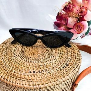 Accessories - Retro CatEye Frame Sunglasses